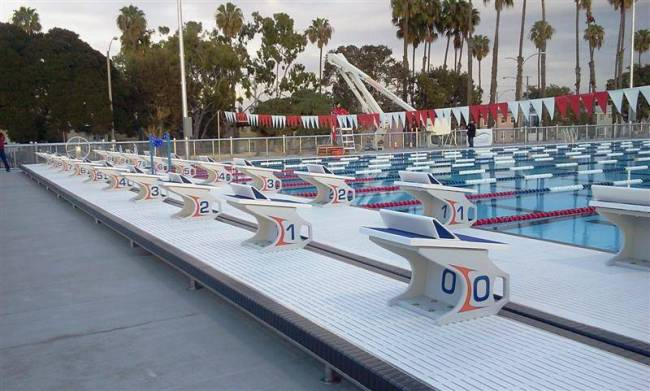 See It Belmont Plaza Temporary Pool Is Unveiled