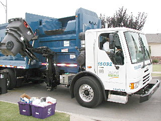 LNG garbage truck in ELB, Oct. 03