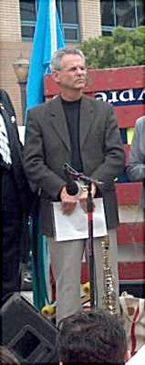 Alan Lowenthal @ LB Iraq rally Feb. 15/03