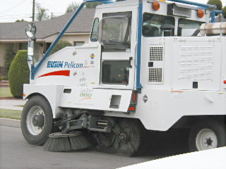 LNG street sweeper, Oct 03