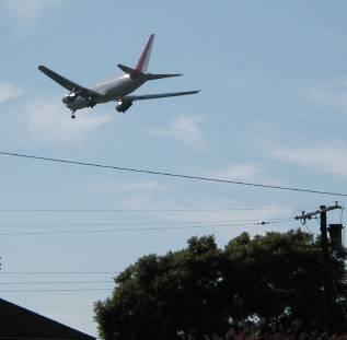 25R landing Aug. 28/03