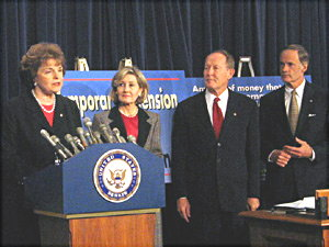 Sen. Feinstein Feb 11/04 internet tax news conf