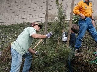 Newcomb tree planting April 21/07