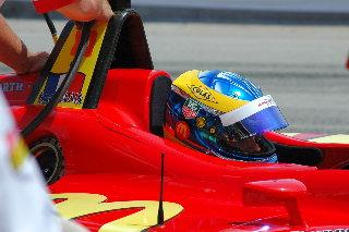 Celeb race April 14/07 Lucas