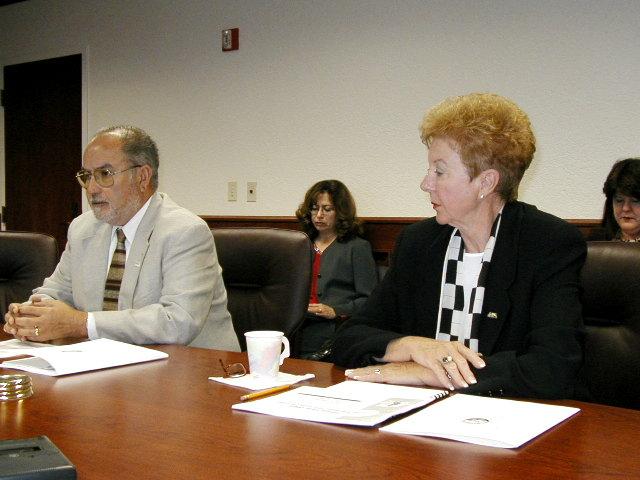 Mayor O'Neill, City Mgr. Taboada Budget presentation 8/15/02
